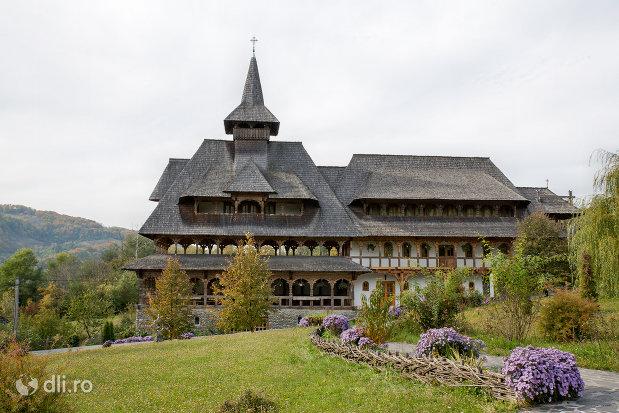 lacasul-calugarilor-din-manastirea-barsana-judetul-maramures.jpg