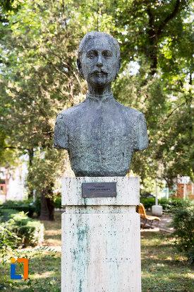 lache-elefterescu-aleea-eroilor-1877-1878-23-de-busturi-si-o-placa-comemorativa-din-giurgiu.jpg