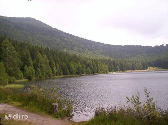 lacul-sfanta-ana.jpg