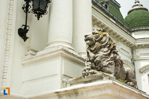 leu-de-pe-muzeul-de-arta-si-arta-populara-palatul-marincu-din-calafat-judetul-dolj.jpg