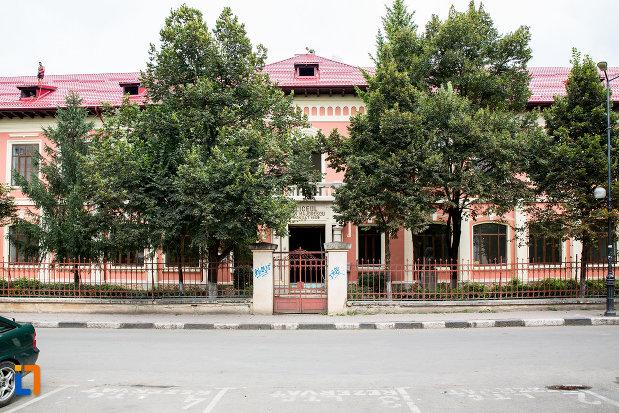 liceul-ion-majorescu-din-giurgiu-judetul-giurgiu.jpg