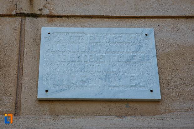 liceul-kun-azi-colegiul-national-aurel-vlaicu-din-orastie-judetul-hunedoara-placa-comemorativa.jpg