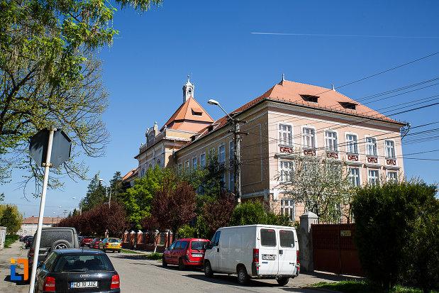 liceul-kun-azi-colegiul-national-aurel-vlaicu-din-orastie-judetul-hunedoara.jpg