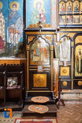 loc-de-rugaciune-biserica-ortodaxa-sf-gheorghe-din-mangalia-judetul-constanta.jpg