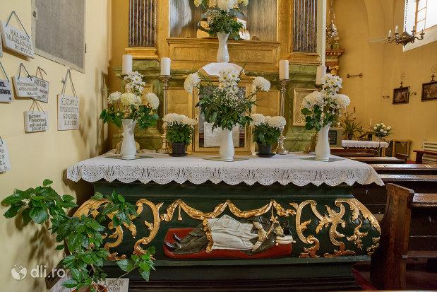 loc-de-rugaciune-biserica-romano-catoloca-sf-ladislau-din-oradea-judetul-bihor.jpg