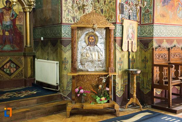 loc-de-rugaciune-catedrala-ortodoxa-sf-gheorghe-din-tecuci-judetul-galati.jpg
