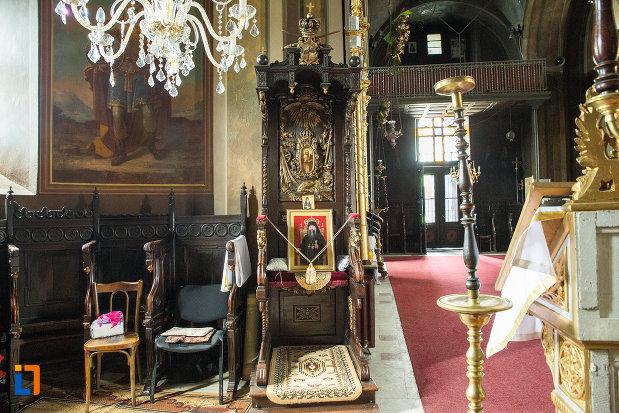 loc-de-rugaciune-din-biserica-grecescu-din-drobeta-turnu-severin-judetul-mehedinti.jpg