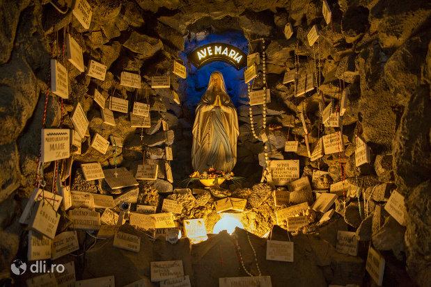 loc-de-rugaciune-din-biserica-romano-catolica-din-baia-mare-judetul-maramues.jpg