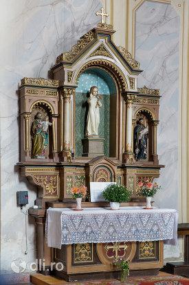 loc-de-rugaciune-din-biserica-romano-catolica-din-baia-sprie-judetul-maramures.jpg
