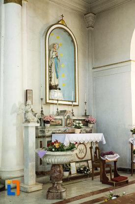 loc-de-rugaciune-din-biserica-romano-catolica-din-galati-judetul-galati.jpg