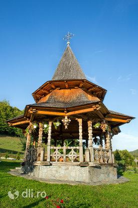 loc-de-rugaciune-manastirea-sfanta-treime-din-moiseni-judetul-satu-mare.jpg