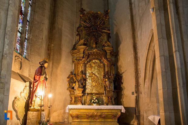 loc-pentru-rugaciune-biserica-sfantul-mihail-din-cluj-napoca-judetul-cluj.jpg