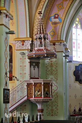 loc-predica-biserica-calvaria-satu-mare.jpg