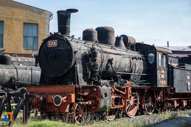 locomotiva-veche-muzeul-locomotivelor-cu-aburi-din-sibiu.jpg