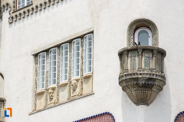 loja-de-la-palatul-culturii-filarmonica-biblioteca-si-muzeul-de-arta-din-targu-mures-judetul-mures.jpg