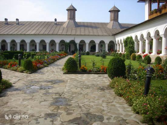 manastirea-aninoasa.jpg