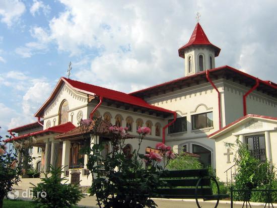 manastirea-christiana.jpg