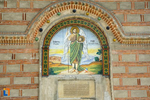 manastirea-cornetu-din-calinesti-judetul-valcea-pictura-murala-exterioara.jpg