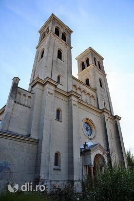 manastirea-franciscana-sf-anton-din-capleni-judetul-satu-mare.jpg