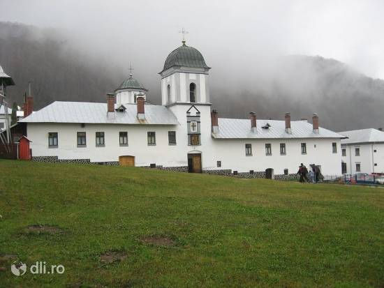 manastirea-frasinei.jpg