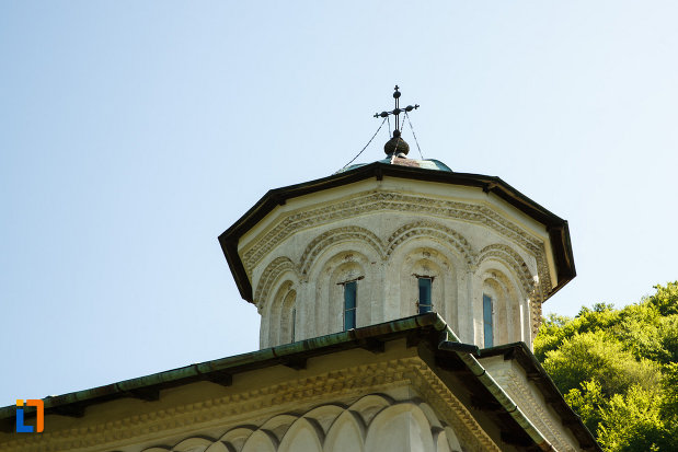 manastirea-hurezi-din-horezu-judetul-valcea-mici-detalii-arhitecturale.jpg
