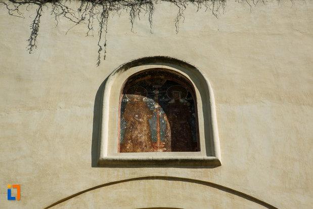 manastirea-hurezi-din-horezu-judetul-valcea-pictura-murala-exterioara.jpg