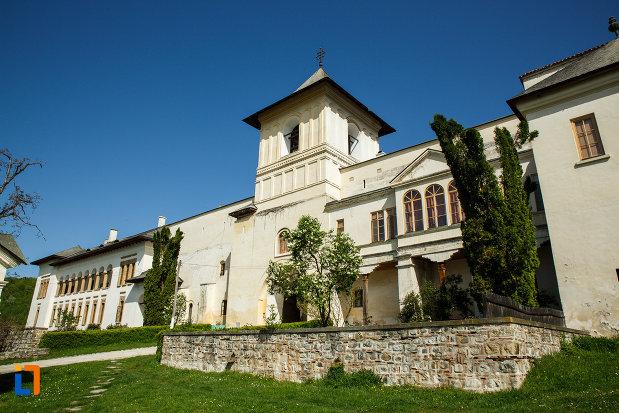 manastirea-hurezi-din-horezu-judetul-valcea.jpg