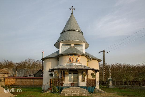 manastirea-izbuc-din-valea-lui-mihai-judetul-bihor.jpg