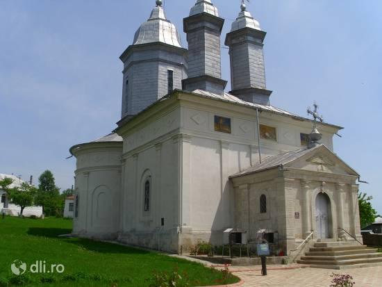 manastirea-ratesti.jpg