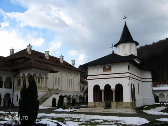 manastirea-sambata-de-sus.jpg