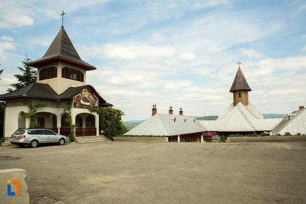 manastirea-sf-ana-din-orsova-judetul-mehedinti.jpg