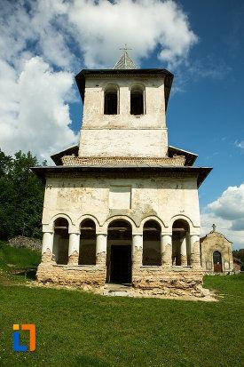 manastirea-sf-voievozi-din-baia-de-arama-judetul-mehedinti.jpg