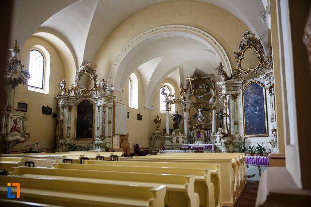 manastirea-si-biserica-franciscana-din-deva-judetul-hunedoara-sir-de-bancute.jpg