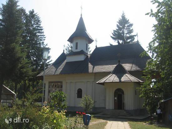 manastirea-sihastria-voronei.jpg
