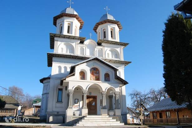 manastirea-slanic.jpg