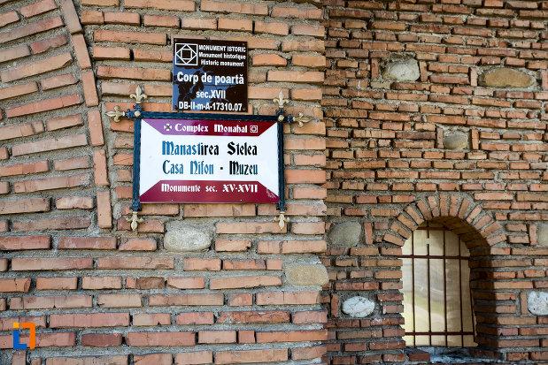 manastirea-stelea-din-targoviste-judetul-dambovita-monument-istoric.jpg
