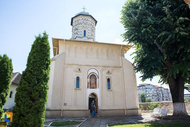 manastirea-stelea-din-targoviste-judetul-dambovita.jpg