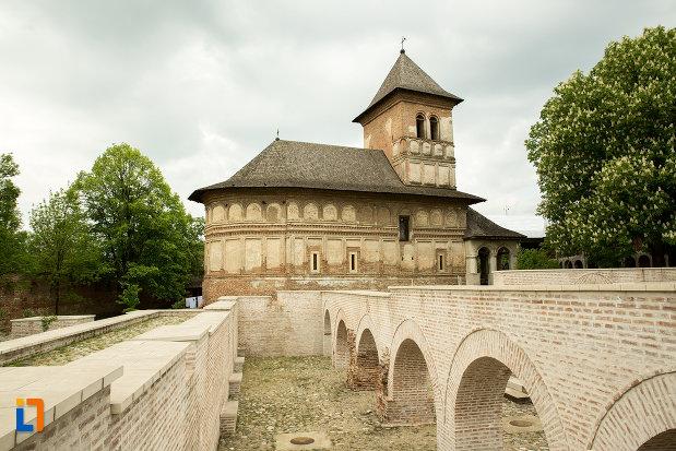 manastirea-strehaia-judetul-mehedinti.jpg