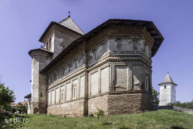 manastirea-strehaia.jpg