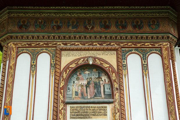 manastirea-turnu-din-pausa-judetul-valcea-imagine-de-la-biserica.jpg