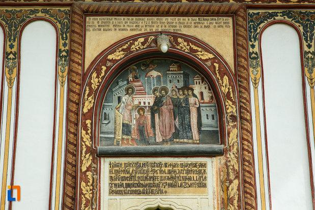 manastirea-turnu-din-pausa-judetul-valcea-mesaj-aflat-la-biserica-ansamblului.jpg