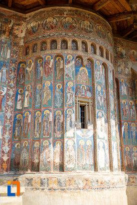 manastirea-voronet-judetul-suceava-monument-artistic-si-de-arhitectura.jpg
