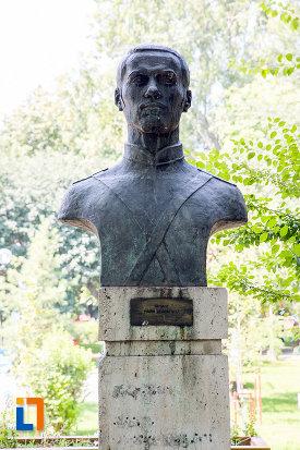 marin-georgescu-aleea-eroilor-1877-1878-23-de-busturi-si-o-placa-comemorativa-din-giurgiu.jpg