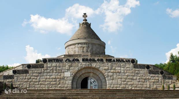 mausoleul-de-la-marasesti.jpg