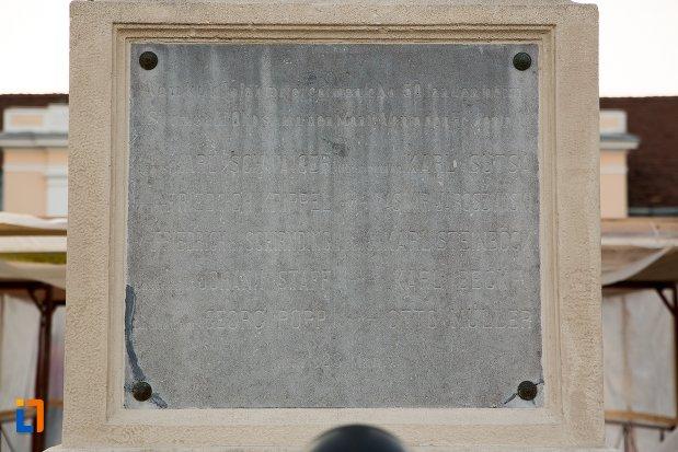 memorii-de-pe-monumentul-custozza-din-alba-iulia-judetul-alba.jpg