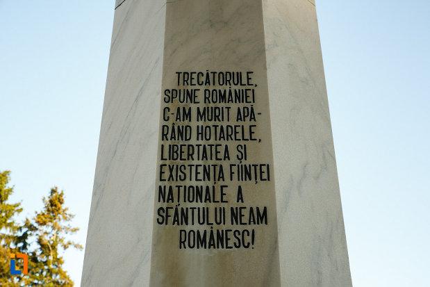 mesaj-comemorativ-de-pe-monumentul-eroilor-din-horezu-judetul-valcea.jpg
