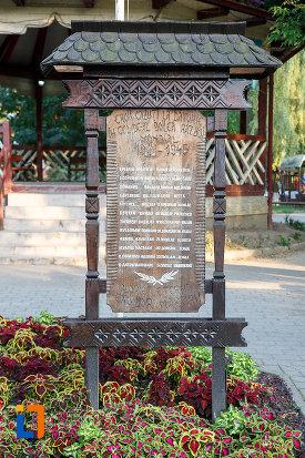 mesaj-de-la-monumentul-eroilor-din-gura-humorului-judetul-suceava.jpg