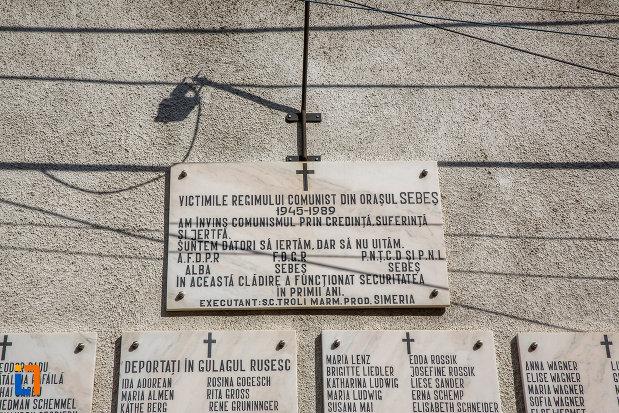 mesaj-de-la-monumentul-victimelor-regimului-comunist-din-sebes-judetul-alba.jpg