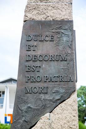 mesaj-de-pe-monumentul-eroilor-din-mangalia-judetul-constanta.jpg