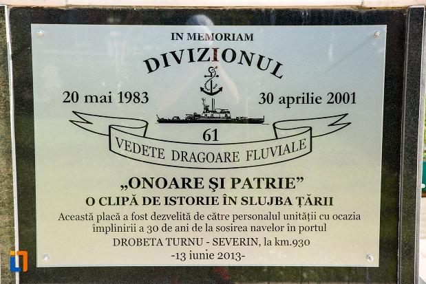 mesaj-de-pe-monumentul-eroilor-marinari-din-drobeta-turnu-severin-judetul-mehedinti.jpg